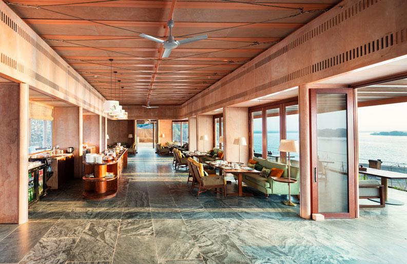Hotel RAAS Chhatrasagar